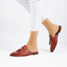 Mules Scarlett 2 Earthly Tassel Earthly