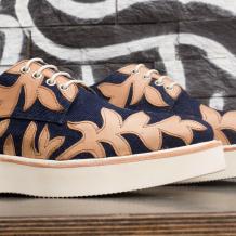 Schuhe mit Gummisohlen