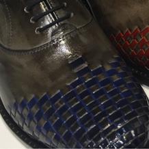 Handgeflochtene Schuhe
